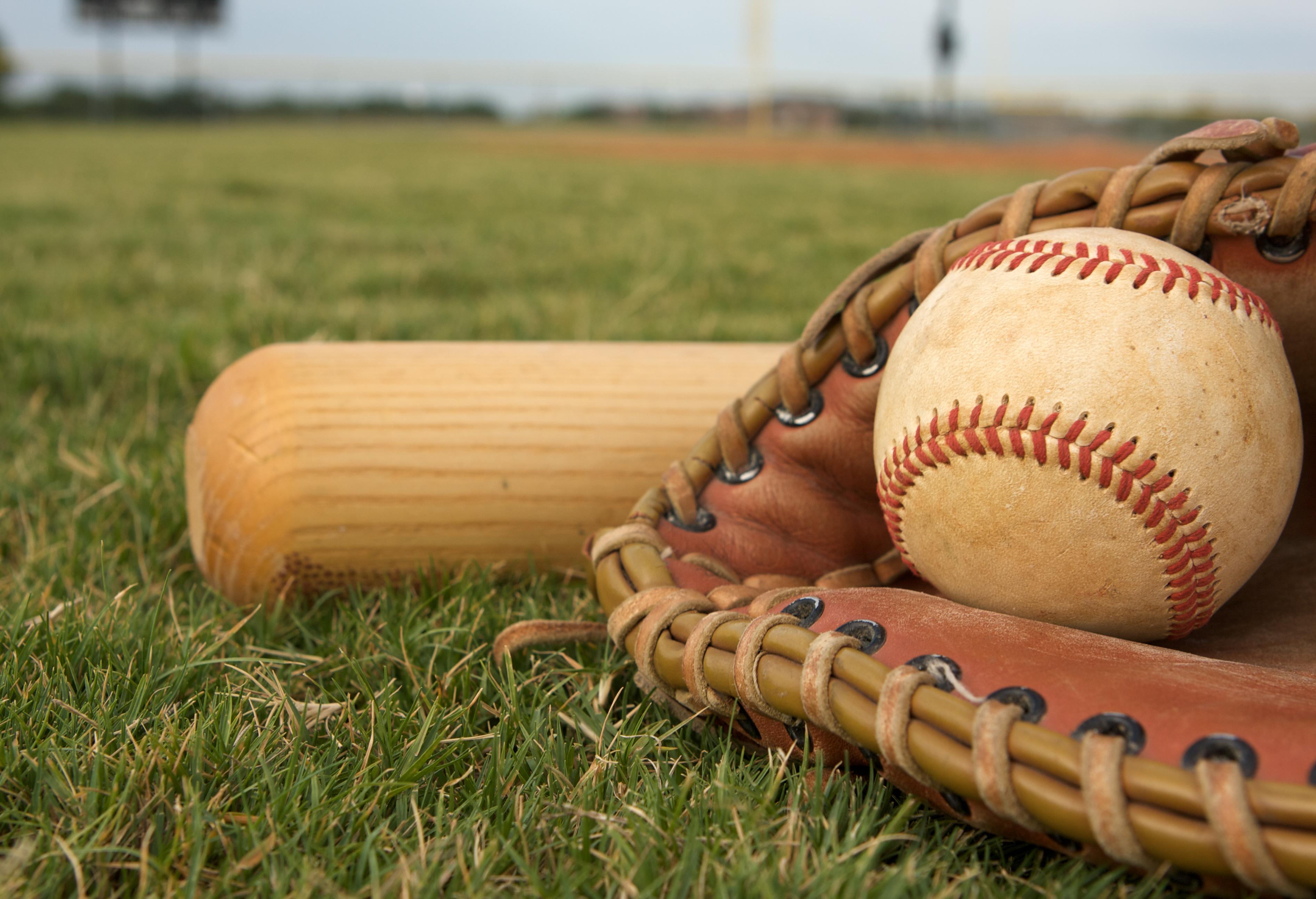 baseball-sports-grass
