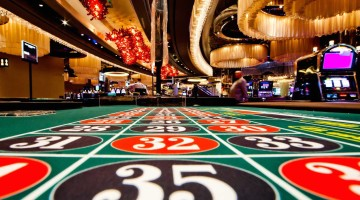 two-casino-dealers-and-two-of-their-friends-have-been-indicted-for-stealing-1-million-from-las-vegas-casino
